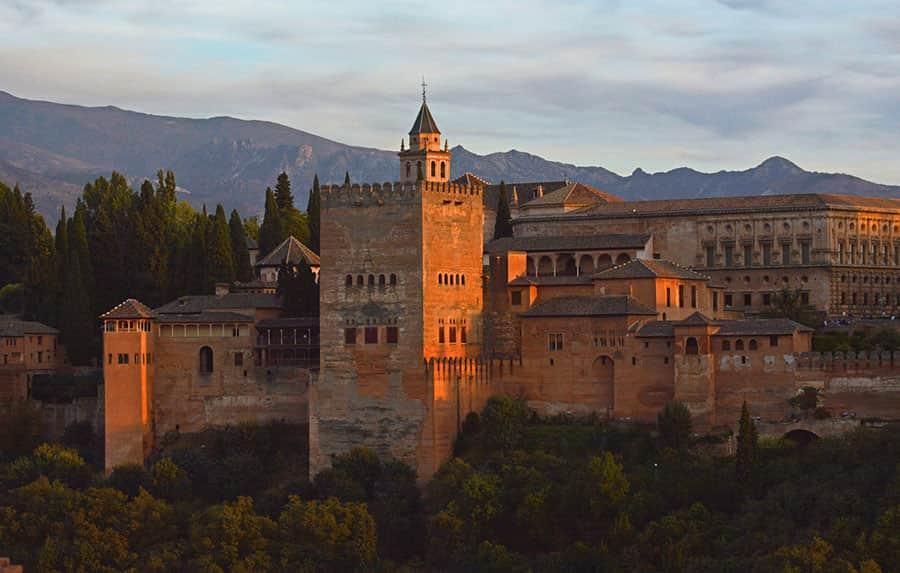 Alhambra – det röda fortet i Granada