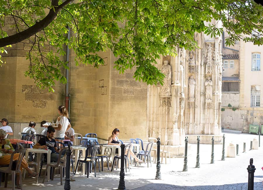 Städer i Provence - Aix vid katedralen