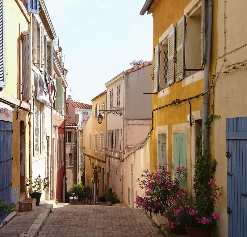 Stader I Provence 10 Stallen Du Inte Far Missa
